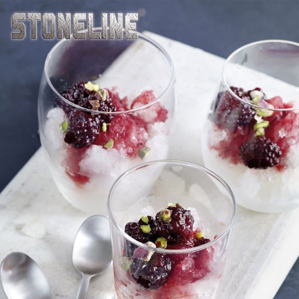 Granita al limone con more marinate